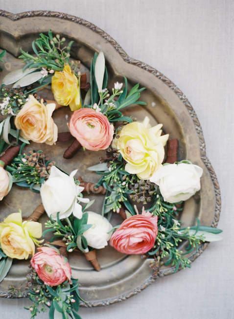 Boutonnieres florais frescos — Fotografia de Stock