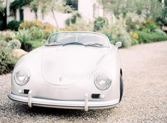 Carro retro branco — Fotografia de Stock