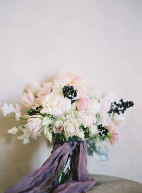 Елегантний весільний букет — стокове фото