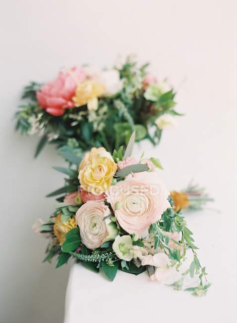 Bouquets de casamento coloridos — Fotografia de Stock