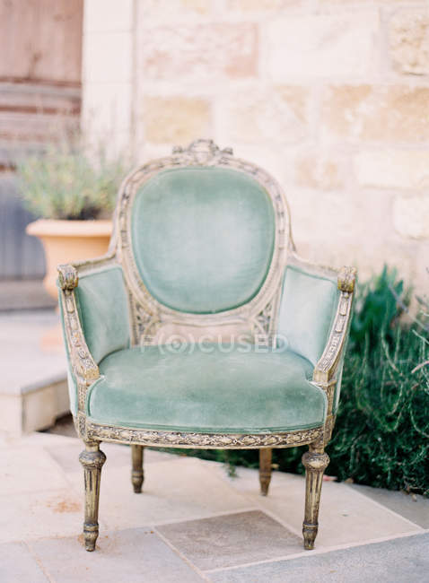 Vintage silk velvet armchair — Stock Photo