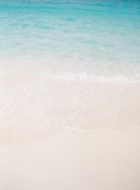 Голубая вода — стоковое фото