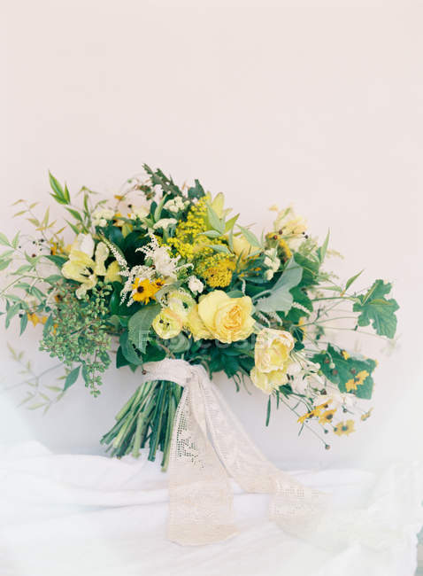 Bouquet with yellow roses — Stock Photo