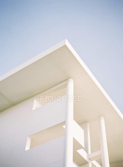 Contemporary facade corner — Stock Photo