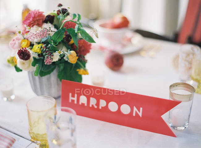 Wedding setting table decorated with flowers — Stock Photo