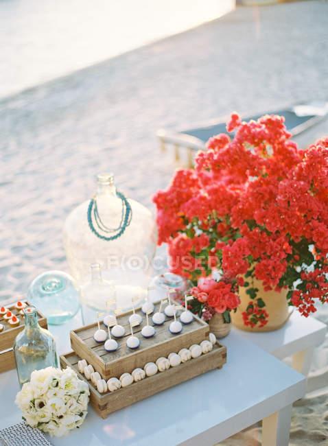 Весілля декор у таблиці — стокове фото