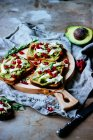 Toasts avocats avec suluguni — Photo de stock