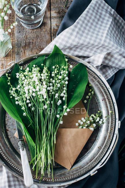 Flores de lirio del valle - foto de stock