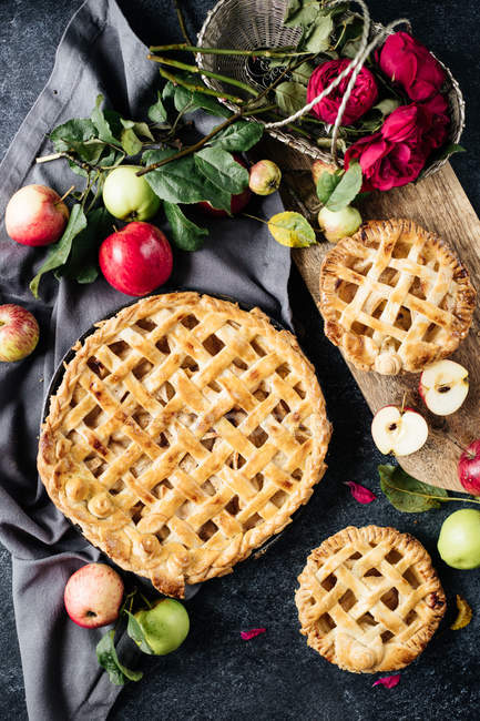 Sweet homemade apple pies — Stock Photo