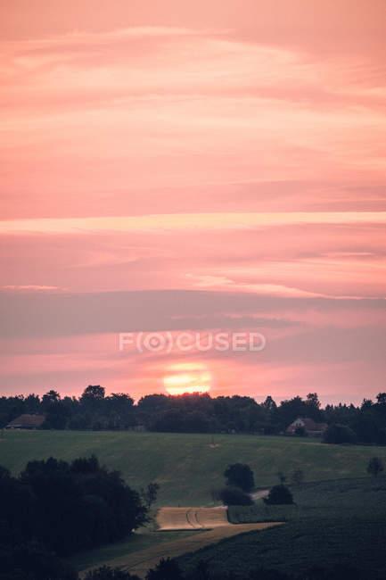 Ländliche Landschaft mit Feldern — Stockfoto