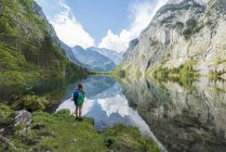Hiker at Lake Obersee in Berchtesgaden National Park, Bavaria, Germany, Europe — Stock Photo