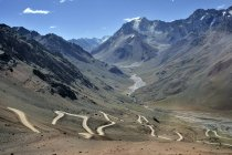 Winding road in Andes near Mendoza — Stock Photo