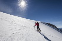 Mountaineer during ascent of Mt Hoher Weisszint — Stock Photo