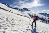 Mountaineer during ascent of Mt Grosser Moseler — Stock Photo