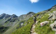 Mature hiker on hiking trail in Schladming Tauern, Schladming, Austria — Stock Photo