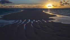 Sandy beach at sunset, Gangehi Island, Ari Atoll, Maldives — Stock Photo