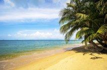 Bella vista sul mare e dalla spiaggia di Maenam, Koh Samui, Thailandia, Asia — Foto stock