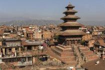 O templo Nyatapola e telhados da cidade Bhaktapur, Nepal, Ásia — Fotografia de Stock