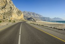Khasab coastal road, Musandam, Oman, Asia — Stock Photo