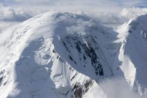 Detail of snow covered Tian Shan mountain range in Kyrgyzstan, Asia — Stock Photo