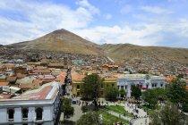 Paesaggio urbano con la montagna d'argento di Cerro Rico, Potosí, Bolivia, Sud America — Foto stock