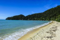 Longue plage de sable, Abel Tasman National Park, Île du Sud, Nouvelle-Zélande, Océanie — Photo de stock