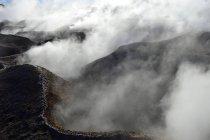 Fumarolas en geotérmica campo Sol de Manana, Potosí, Bolivia, Sur América - foto de stock