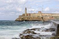 Маяк замка Морро крепости в Гаване, Куба, Центральной Америке — стоковое фото