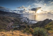 Aerial view of Santa Cruz de la Palma at sunrise, Canary Islands — стоковое фото