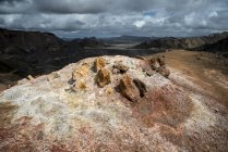 Sulphur field and chalk in rhyolite mountains, Landmannalaugar area, Fjallabak Nature Reserve, Highlands of Iceland, Southern Region, Iceland, Europe — Stock Photo