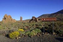 Le panneau des Roques de Garcia à Las Canadas au lever du soleil, parc national du Teide, site du patrimoine mondial de l'UNESCO, Tenerife, Espagne, Europe — Photo de stock