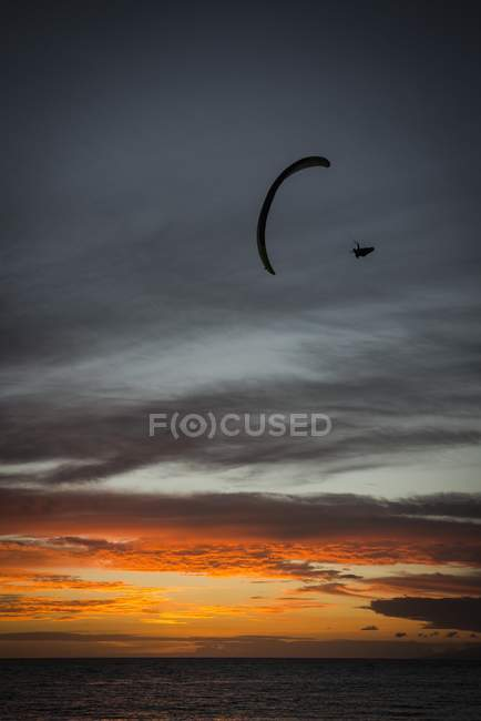 Paraglider at Playa de la Enramada - foto de stock