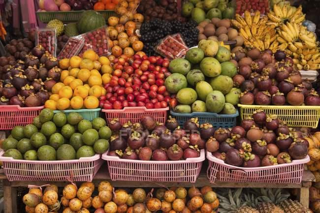 Fruit stand on Balinese market — Stock Photo