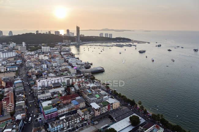 Paisaje de la bahía de Pattaya - foto de stock