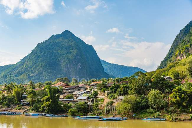 Montagne carsiche, Nong Khiaw — Foto stock