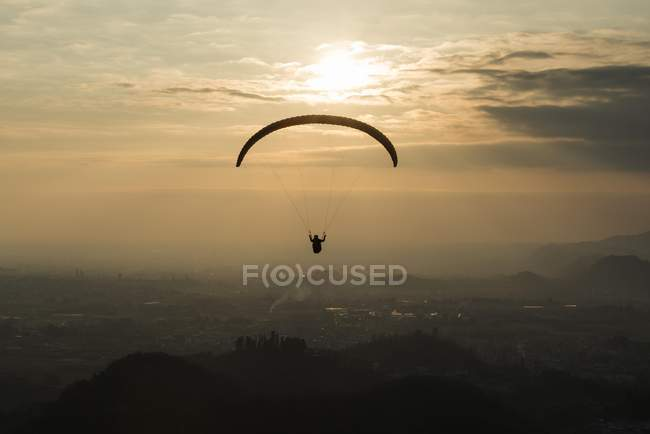 Paraglider over Bassano, evening mood — Stock Photo