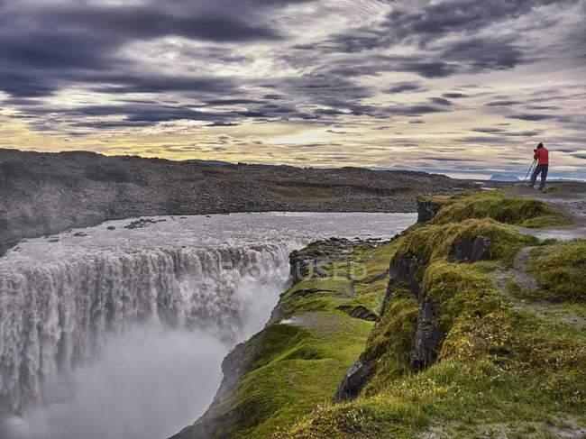 Photo prise photographe à cascade Dettifoss — Photo de stock