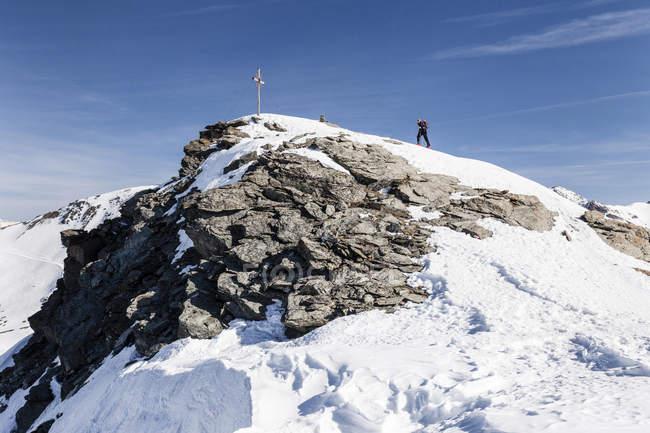 De esqui tourers ascendente Madritschspitze em Martell — Fotografia de Stock
