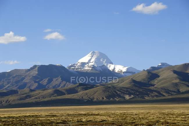 Gran meseta y el Nevado sagrado Monte Kailash en el Himalaya, Tíbet - foto de stock