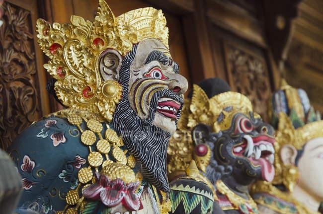 Дерев'яні фігурки божеств, Ubud, Балі, Індонезія, Азії — стокове фото