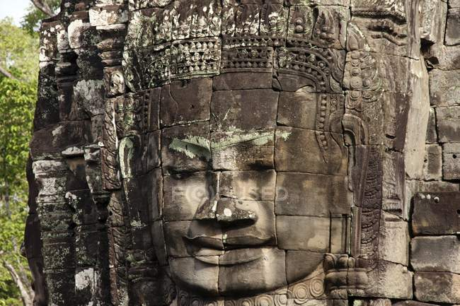 Face tower of Bayon temple of Angkor Thom, Siem Reap, Cambodia, Asia — Stock Photo