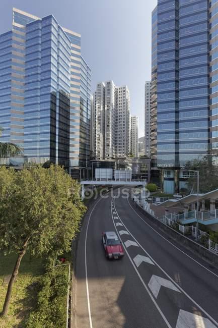 Torres de escritórios e torres residenciais no distrito de Quarry Bay, Hong Kong, China, Ásia — Fotografia de Stock