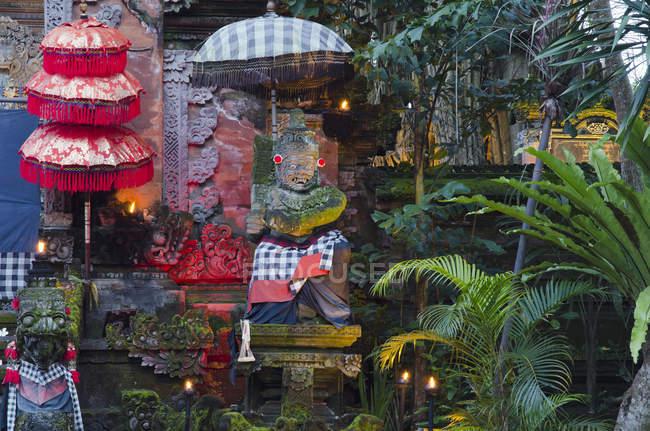 Камінь фігурки божеств, Ubud, Балі, Індонезія, Азії — стокове фото