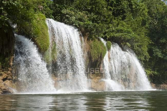 Waterfall in jungles of Sai Yok National Park, Kanchanaburi Province, Central Thailand — Stock Photo