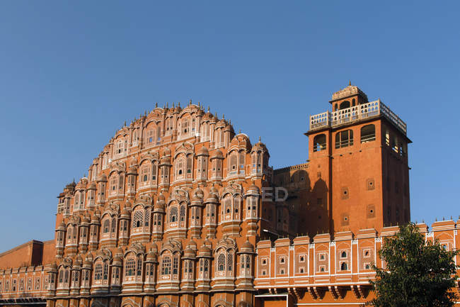 Façade de Hawa Mahal Palais des vents à Jaipur, Rajasthan, Inde, Asie — Photo de stock