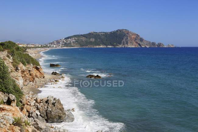 Cleopatra Beach and Castle Hill, Turkish Riviera, Province of Antalya, Turkey — Stock Photo