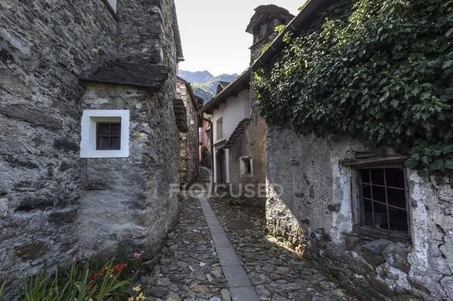 Case Di Montagna In Pietra : Baita di montagna in pietra chisone immobiliare