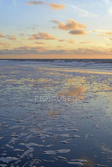 Scenic sunset at North Sea, Lower Saxony, Germany, Europe — Stock Photo