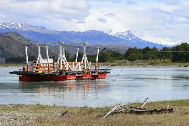 Traghetti di corda al Rio Baker vicino Cochrane, Cile, Sud America — Foto stock