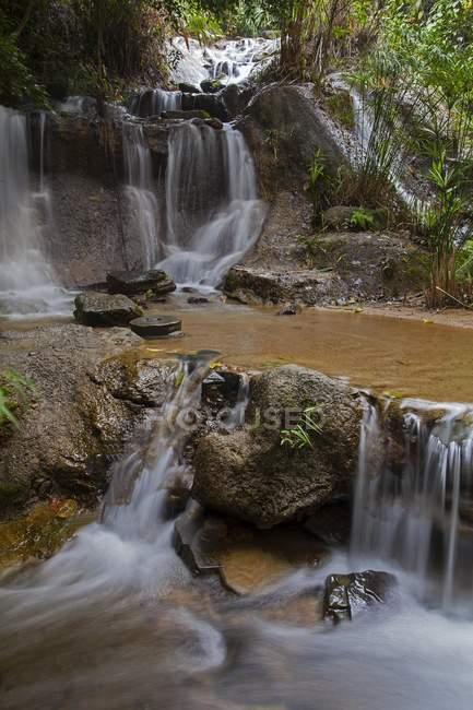 Водопад на Бана холмы горный курорт, Дананг, Вьетнам, Азия — стоковое фото